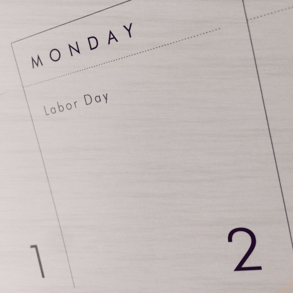 Labor holiday? / Brief exchange of office work / for home and yard work. - Haikkumages